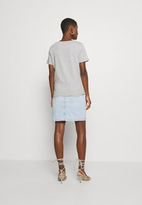 Tommy Hilfiger - CARMEN  - T-shirts print - light grey - 2