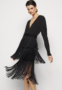 Hervé Léger - Pencil skirt - black - 3