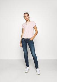 Abercrombie & Fitch - LONG LIFE LOGO - Print T-shirt - pink - 1