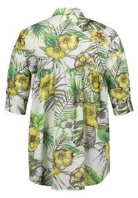 Betty Barclay - Button-down blouse - white/green - 4