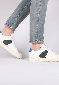 Blackstone - Sneakers - white navy - 3