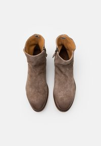 Cordwainer - Classic ankle boots - florence washed coco - 3