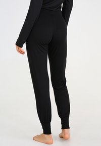 Esprit - SINGLE PANTS - Pyjama bottoms - black - 2