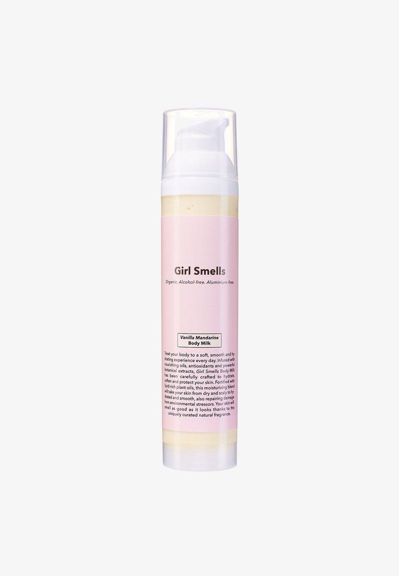 Girl Smells - BODY MILK 100ML - Moisturiser - vanille mandarine