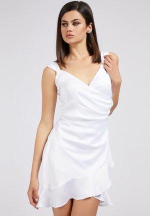 LARISSA  - Shift dress - weiß