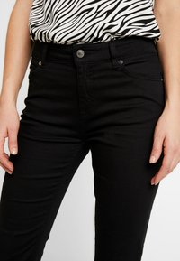 Ivy Copenhagen - CHARLOTTE SERIOUSLY - Flared Jeans - black - 4
