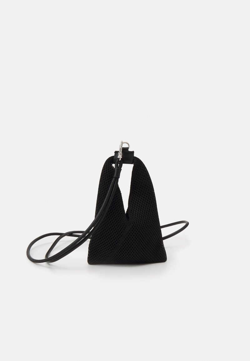 MM6 Maison Margiela - ORNAMENTAL ITEM - Bolso de mano - black