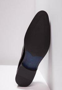 KIOMI - Smart lace-ups - black - 4