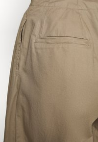 Who What Wear - THE WIDE LEG TROUSER - Bukse - light tobacco - 5