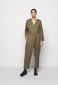 3.1 Phillip Lim - 3/4 BELTED JUMPSUIT - Jumpsuit - fir green - 2