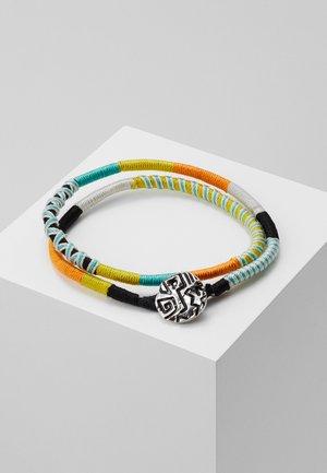 DOODLED ZIG ZAG WRAP BRACELET - Bracelet - orange