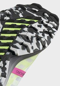 adidas Performance - TERREX SPEED PRO  - Løpesko for mark - white - 6