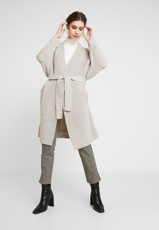 LONG CARDIGAN - Gilet - beige