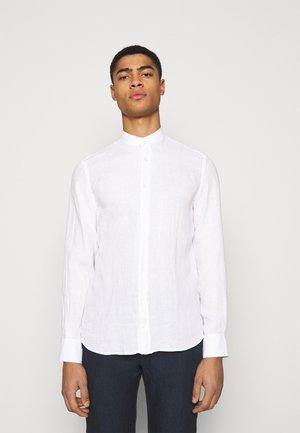 GARMENT DYE - Camicia - optic white