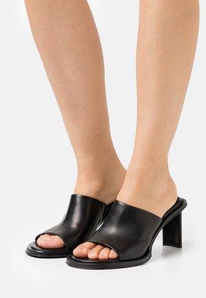 MELISSA - Pantofle na podpatku - black
