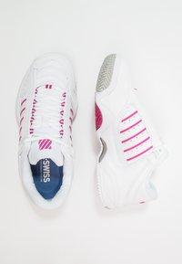 K-SWISS - DEFIER RS - Tenisové boty na všechny povrchy - white/very berry - 1