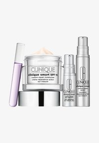 Clinique - SMART SET - Skincare set - - - 0