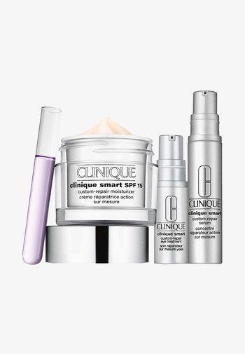 SMART SET - Skincare set - -