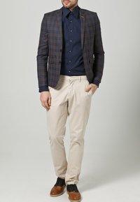 OLYMP Level Five - OLYMP LEVEL 5 BODY FIT - Formal shirt - dark blue - 2