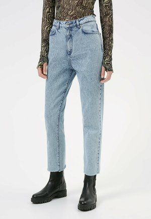 GAYANG - Jeans Tapered Fit - light blue