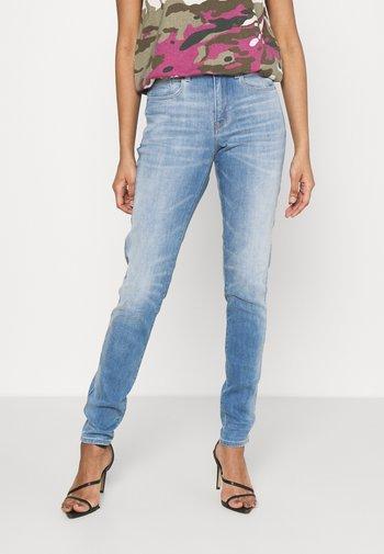 HANA SKINNY - Jeans Skinny Fit - vintage beryl blue