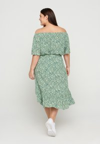 Zizzi - Pleated skirt - light green leaf - 1