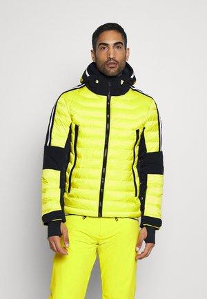 GLYN - Ski jacket - sulfur