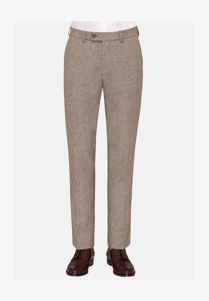 Carl Gross - CG SHIVER - Suit trousers - hellbraun
