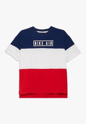 AIR - T-shirt z nadrukiem - blue void/university red/white