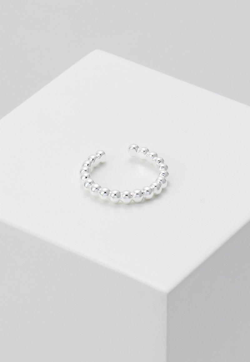 Orelia - BEADED METAL SINGLE EAR CUFF - Náušnice - silver-coloured