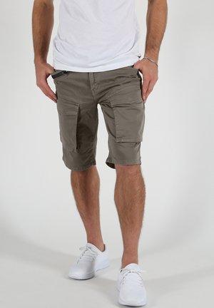 ELIAS - Shorts - oliv