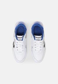Reebok Classic - CLUB C LEGACY REVENGE  - Sneakers - white/core black/court blue - 3
