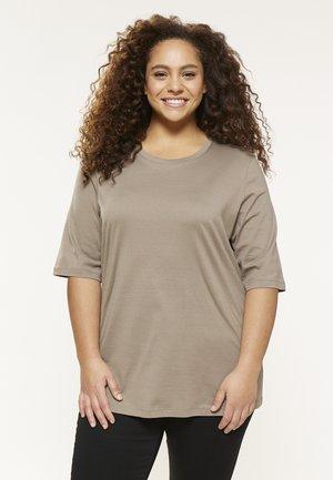 MILY - Basic T-shirt - fango