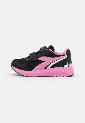 JR V UNISEX - Chaussures de running neutres - black/begonia pink
