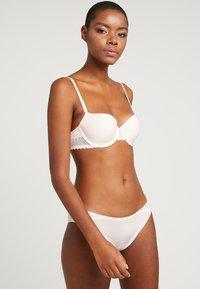Calvin Klein Underwear - FLIRTY LINED BALCON - Underwired bra - nymphs thigh - 1