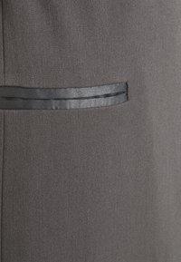 Who What Wear - TUXEDO WRAP DRESS - Cocktail dress / Party dress - slate - 6