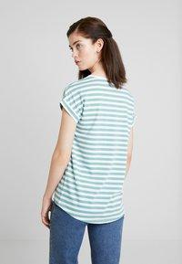 Vila - VIDREAMERS PURE  - Print T-shirt - oil blue/optical snow - 2