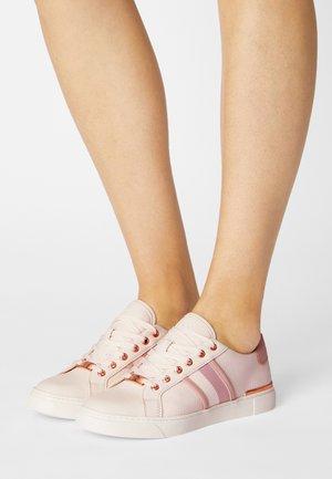 KWENA - Sneakers basse - light pink