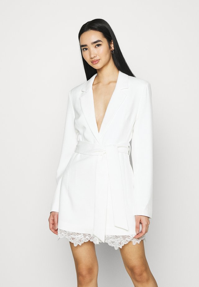 DETAIL BLAZER DRESS - Sukienka koktajlowa - white