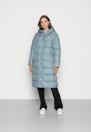 ONLCAMMIE LONG QUILTED COAT - Winter coat - citadel