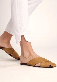 comma casual identity - 7/8-LÄNGE - Slim fit jeans - white - 5