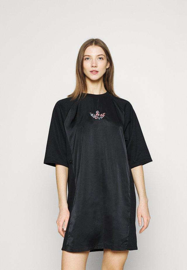 TEE DRESS - Denní šaty - black