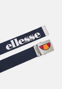 Ellesse - KAGALO UNISEX - TEENS - 9+YEARS - Pásek - navy - 1