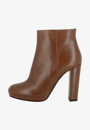 High heels - braun