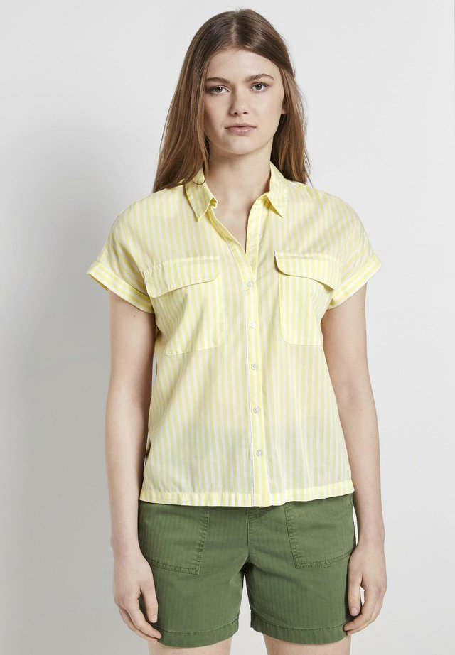 TOM TAILOR DENIM BLUSEN & SHIRTS GESTREIFTES BLUSENSHIRT IM BOXY - Button-down blouse - yellow white vertical stripe