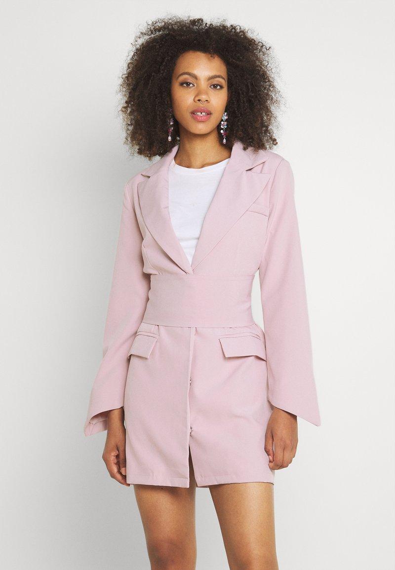 Missguided - TIE WAIST DRESS - Shift dress - baby pink