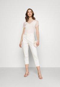 Morgan - DEXIA - Print T-shirt - ivoire - 1