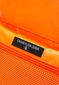 Calvin Klein Jeans - CAMPUS - Sac à dos - vivid orange - 4