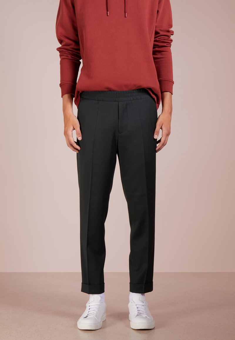 Filippa K - TERRY CROPPED PANTS - Trousers - dark spruce