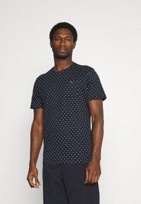 TOM TAILOR - Print T-shirt - navy/white - 0